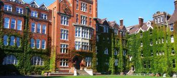 L'edificio principale del college.