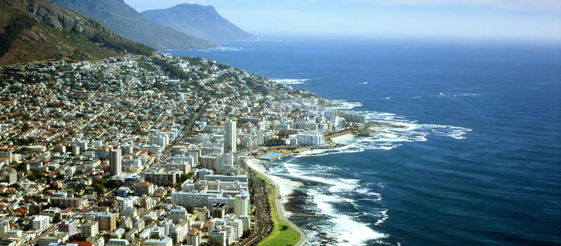 Surf sulla costa di Cape Town