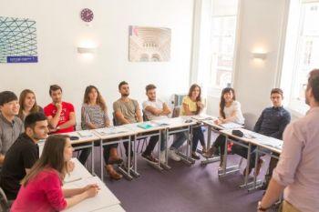 Un esempio di classe internazionale scuola di Covent Garden