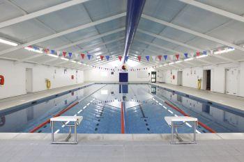 piscina del campus