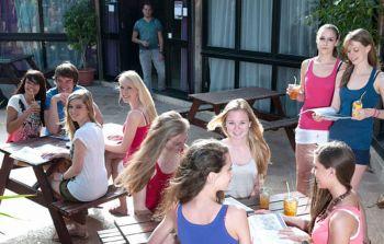 studenti in campus a malta