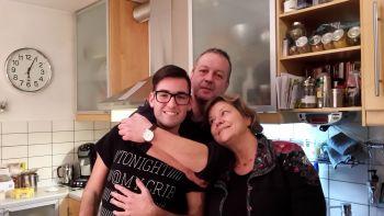 Una famiglia affettuosa e tanti amici in Germania.